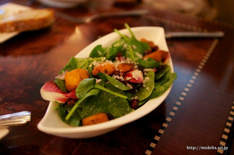 カーセイサークルレストラン サラダ