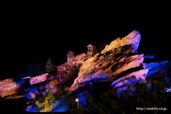 夜のグリズリーガルチの山