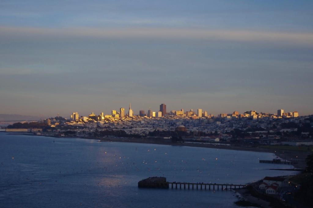 街も徐々に夕暮れに。