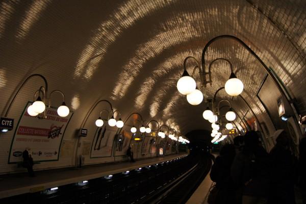 パリメトロの駅