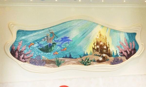 トリトンのお城を描かれた中央のアートが最もキラキラしていました