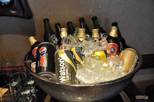 ビール好きの友人曰く、ここの青島ビールはプレミアムなやつだとか